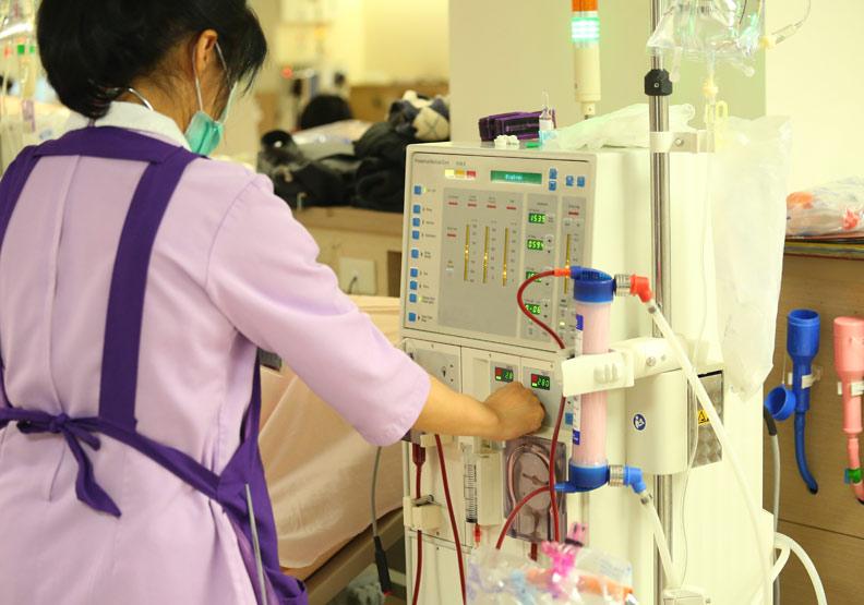 慢性腎臟病何時需洗腎?血液、腹膜透析差別一張圖看懂