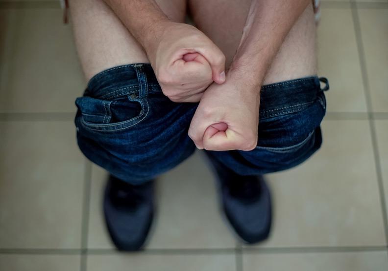 痔瘡脫出導致排便好痛... 4 種分級檢查你的內痔有多嚴重