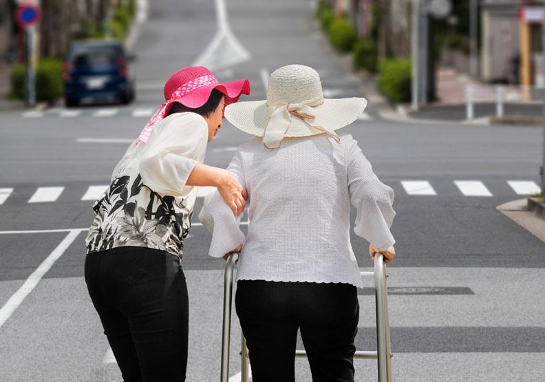 別以為還有時間!台大醫院竹東分院院長:我們與父母相處的時間不斷在倒數