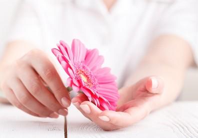 女性私密處構造肥厚容易發炎,手術能一併解決「妹妹」困擾問題
