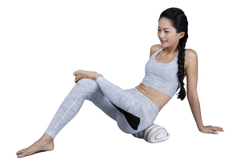 10秒放鬆操!用常見 3 種材料就能做出舒緩腰痛的法寶