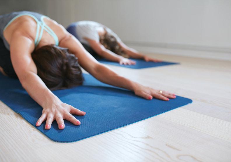 在家可做瑜珈放鬆;Shutterstock Jacob Lund。