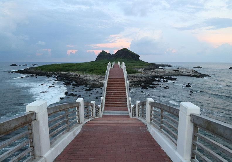 《不要去台灣》10大景點出爐!跟著法國youtuber遊台灣