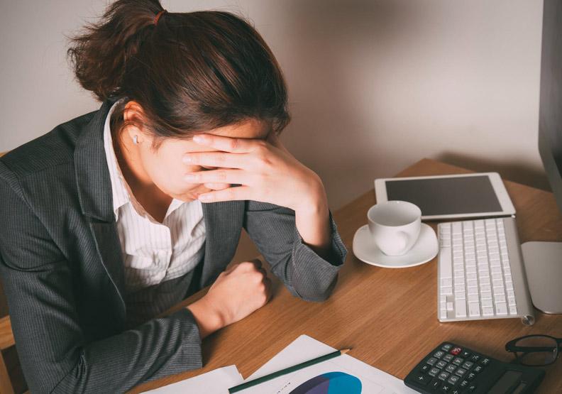 這些症狀你中了一半,可能已經患有「職場憂鬱症」!