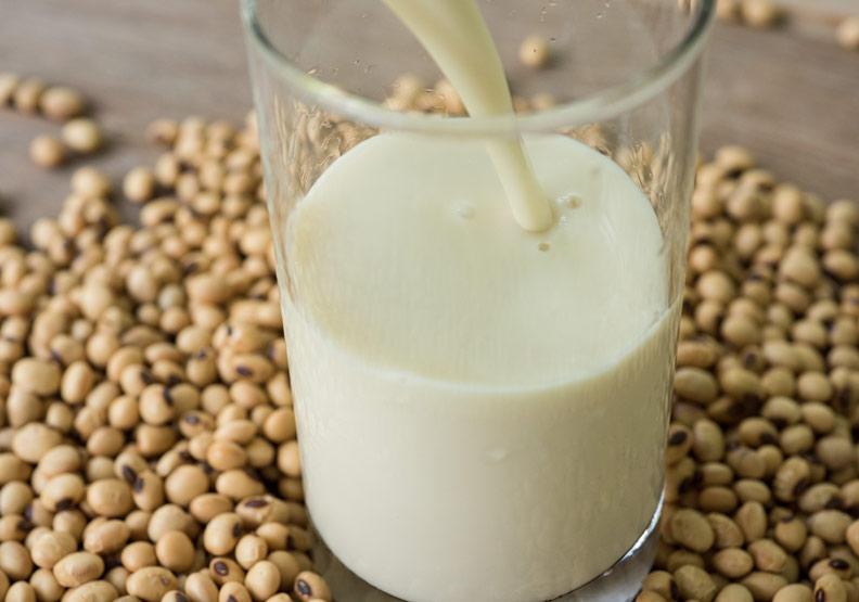 空腹喝營養打折!喝豆漿的 6 大功效及 5 大誤區