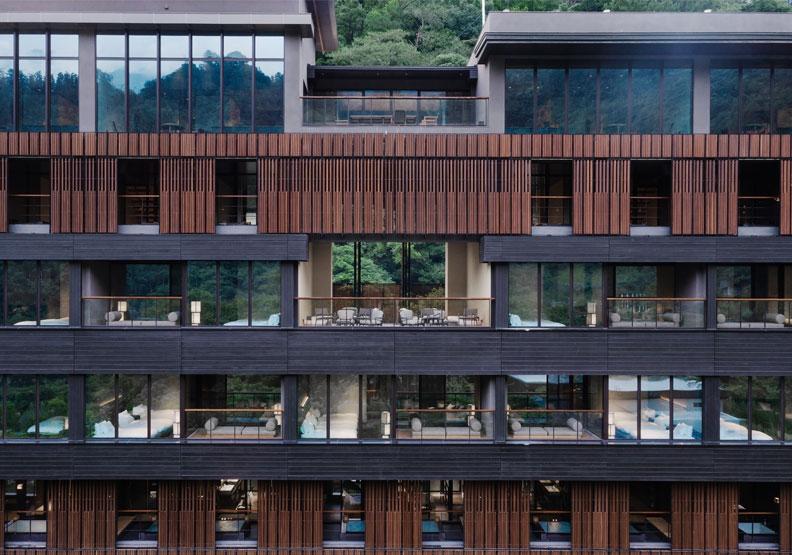 旅館業出售頻傳,為何台中這家飯店1萬8000元起跳,訂房率高達九成?