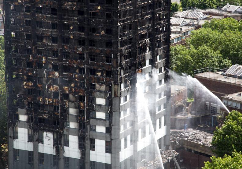 高樓發生火警怎麼辦?先跑還是先關門,決策就在一念之間