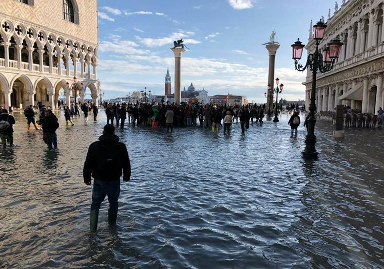 威尼斯又成「水都」,義大利人對極端氣候真的怕了!