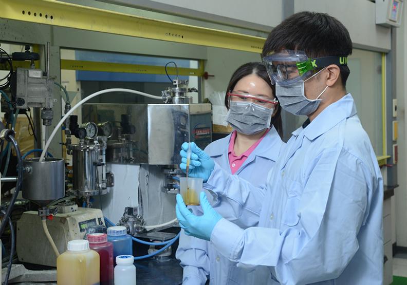 富鑫奈米 開發奈米級粉粒設備與技術