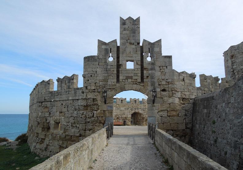 希臘「騎士之島」,魅力不輸更知名的聖托里尼!