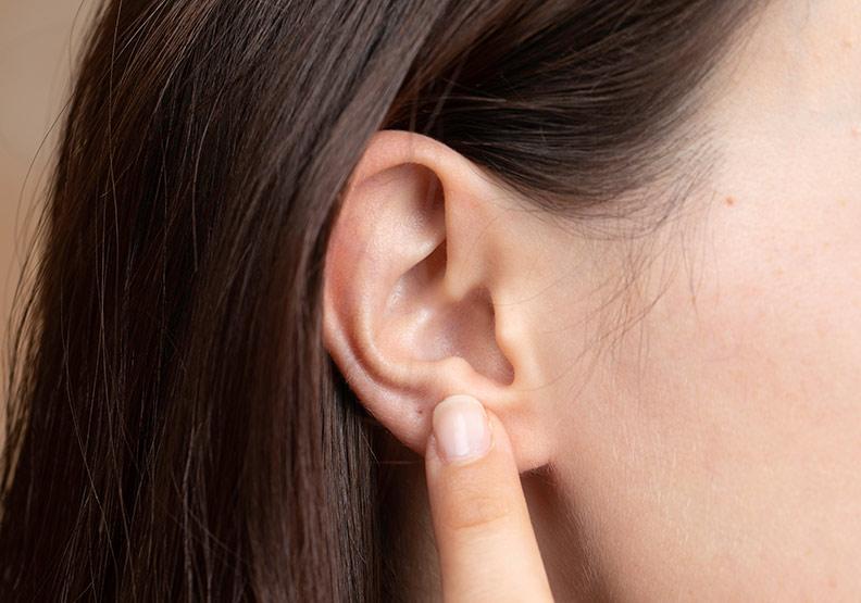 拒絕假性飢餓!中醫用耳穴減重、調整飲食順序揮別冬季肥