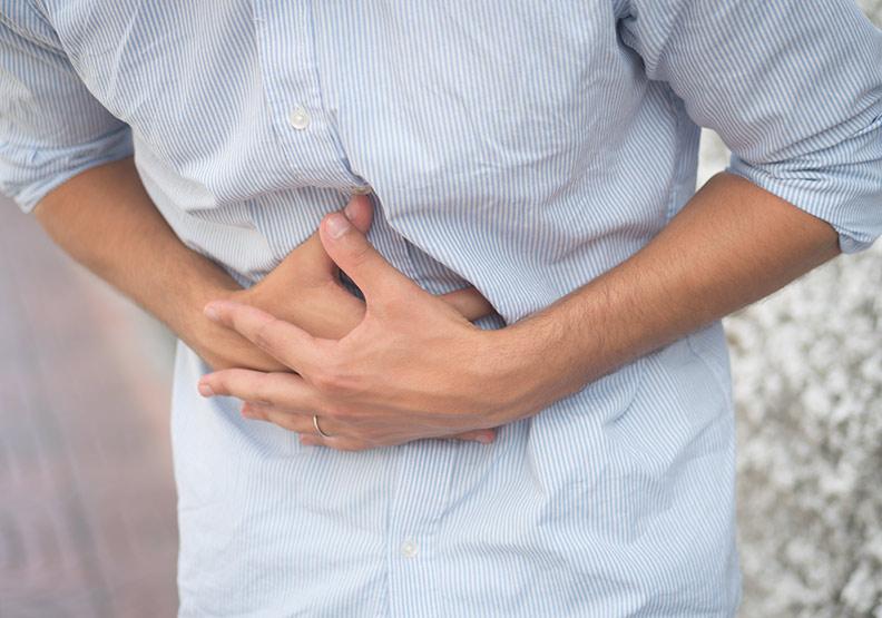 嘔吐發燒又腹痛,膽囊炎發作一定要開刀嗎?