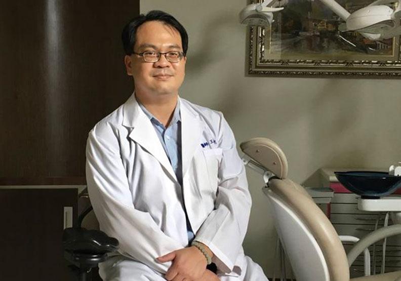 看見偏鄉的需要!台南仁醫王俊凱的「到宅牙醫服務」
