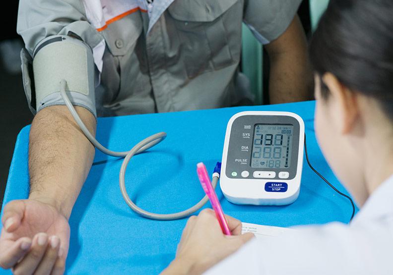 天冷血壓易飆升,高血壓導管治療有助減少用藥