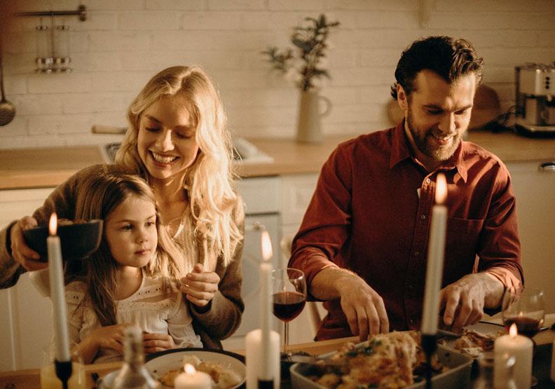 吃飯時間不是教訓時間!4個快樂用餐祕訣,讓孩子打開心門