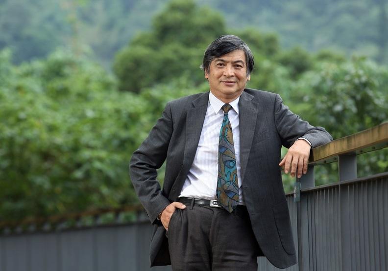 政治大學校長郭明政:別只追求「比較厲害」,要當「獨一無二」