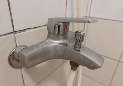 浴室水垢水鏽到底怎麼產生?大掃除必看,各種污垢清除方法分析
