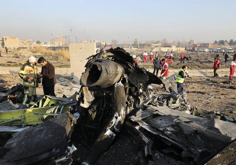 不只伊朗誤擊客機引眾怒,美國也曾為此付出39億元代價!