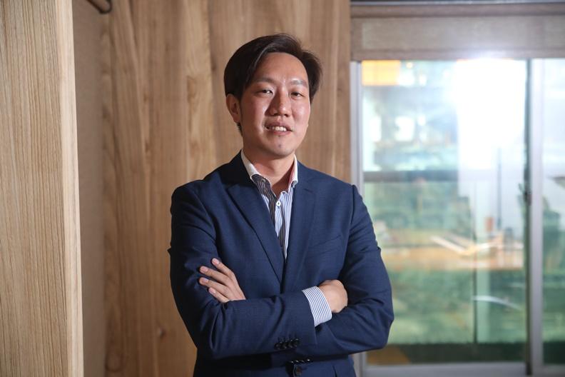 製作《2020立委空戰學:我們的參選時代》的KNOWING新聞創辦人楊方儒。