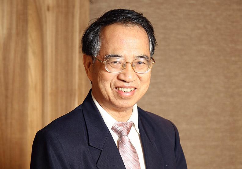 前中華電信董事長、交通大學榮譽教授呂學錦。