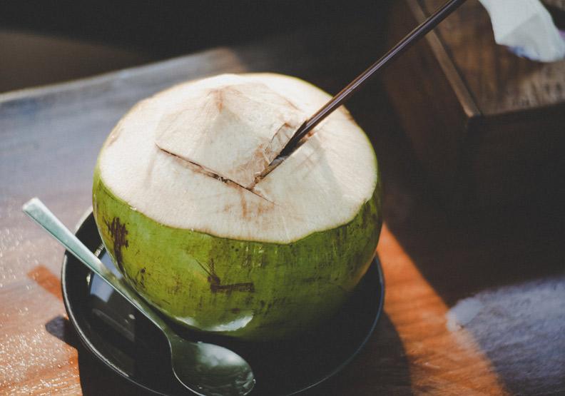 「新鮮椰子」可沒有!你知道椰奶是從哪來的嗎?