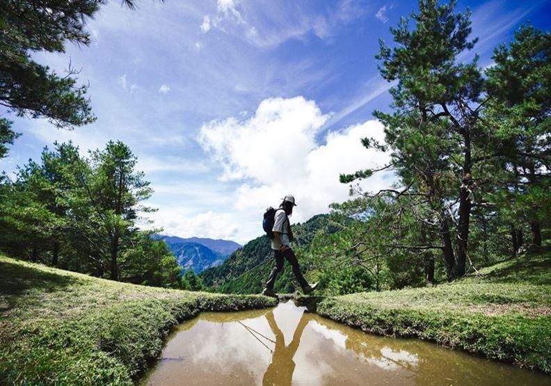 從山走向海,年輕夫妻健行171公里揭開台灣之美
