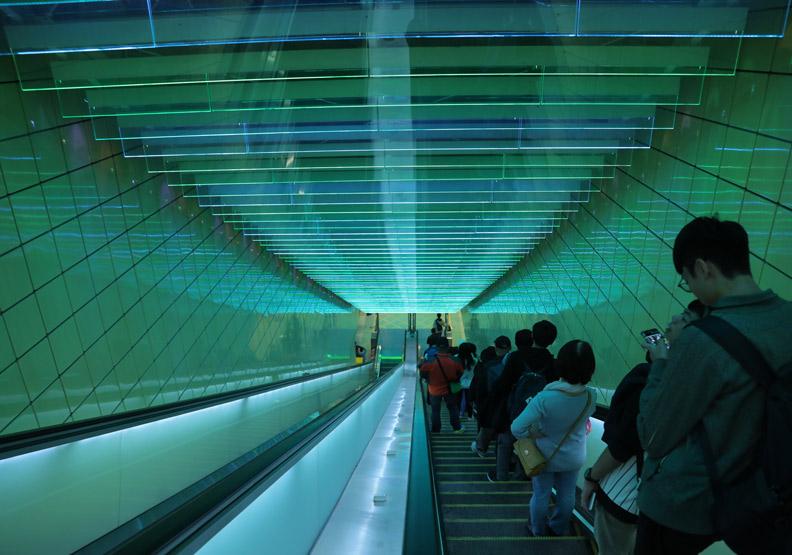 大坪林捷運站在設計上的巧思。
