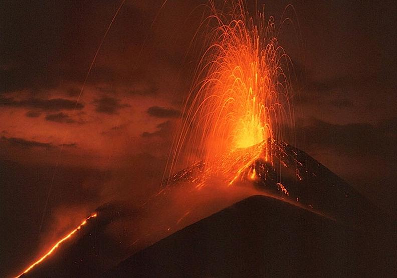 來自地心的熱情,一個能夠親眼目睹岩漿的地方!
