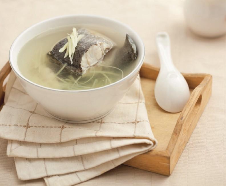 新鮮的魚肉煮湯,同樣風味絕佳。