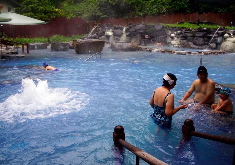 泡溫泉對身體有哪些效用?這幾種人泡溫泉別超過42℃