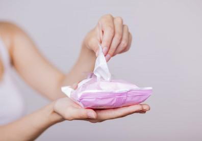 「純水99%」的柔溼巾真的安全嗎?剩下那1%可能是高濃度防腐劑