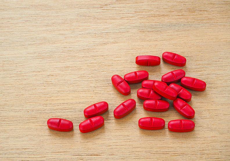 紅麴助降血脂,但千萬別跟這些藥物一起服用!