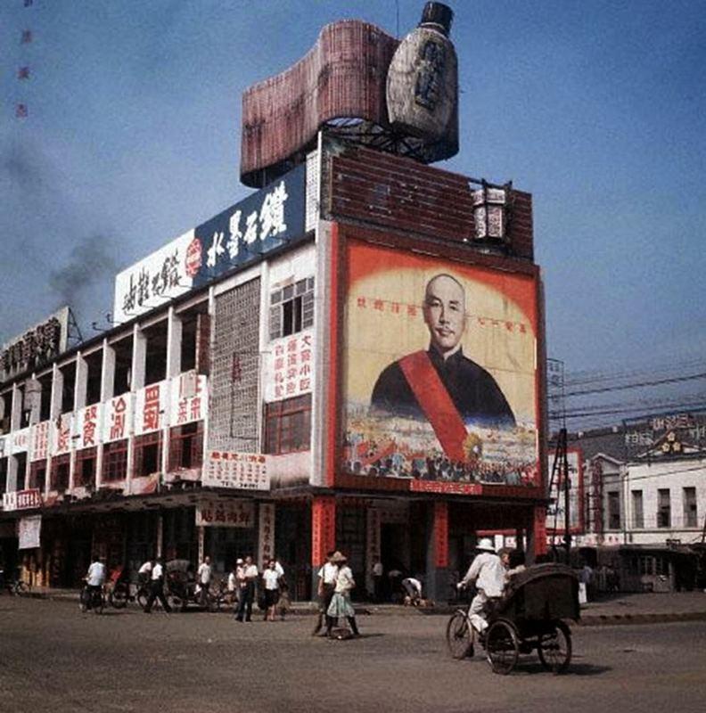 1965年,中華商場義棟與三輪車。