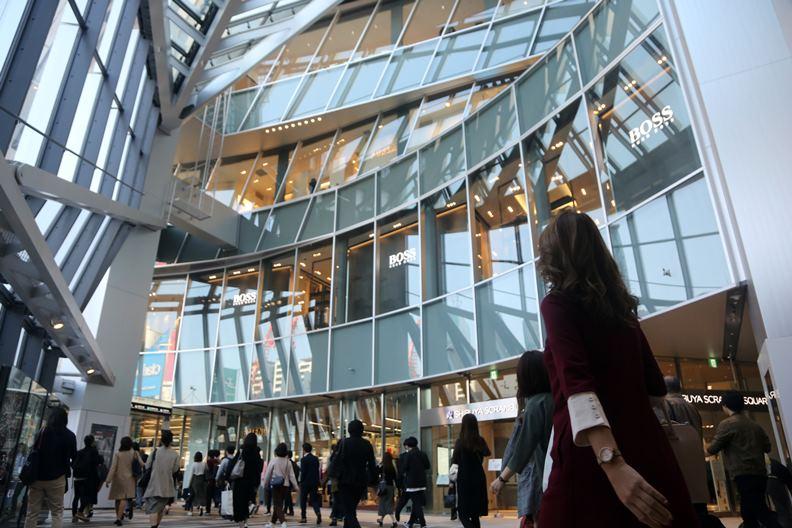 建築部門是城市相當重要的排放來源,東京已對此制訂相關管制措施及碳交易制度。