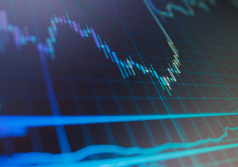 投資人其實可以從一些蛛絲馬跡發現股市裡的地雷股,小心避開。圖片來自shutterstock