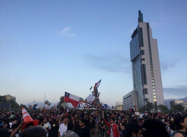 多年未解的財富分配不公,讓智利的年輕世代對未來感到失望。(圖片提供:Sebastián Rueda)