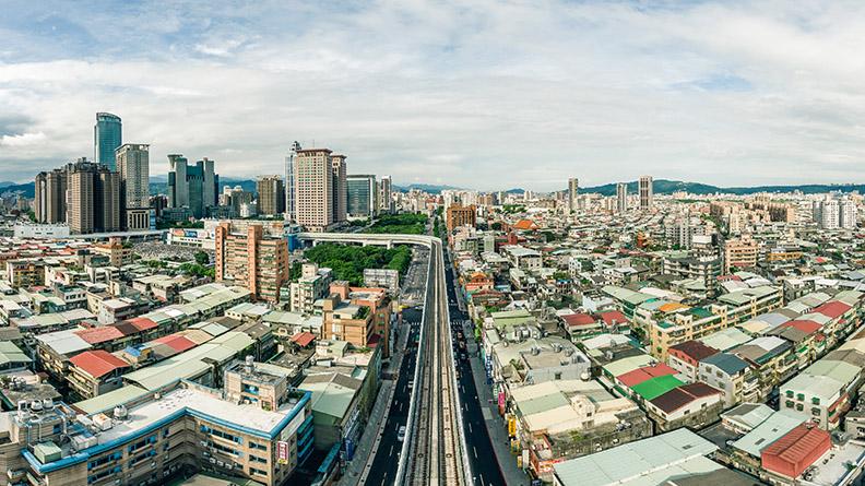 城鄉發展局局長黃一平表示,新北市府透過「大眾運輸發展為導向(Transit Oriented Development, TOD)」的都市發展策略,在今年1月31日捷運環狀線開放通車後,涵蓋範圍更加廣泛完整。