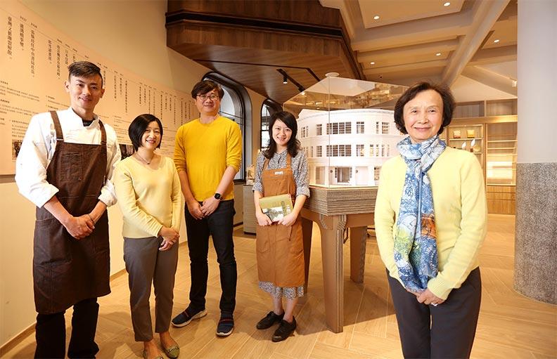 歷經整整三年,信誼基金會董事長張杏如(右一)終於帶領團隊重啟中央書局。