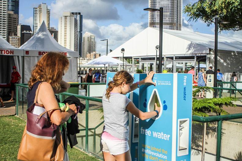 澳洲組織go2zone在各城市推廣免費取水站。(圖片取自go2zone臉書))