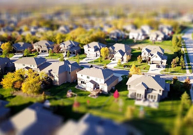 早期的基本社會調查顯示,約有60%的美國人認為鄰居是可以信任的。取自pexels