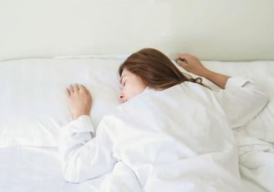 利用休假補眠頭卻更痛,掌握 5 要訣擺脫週末症候群
