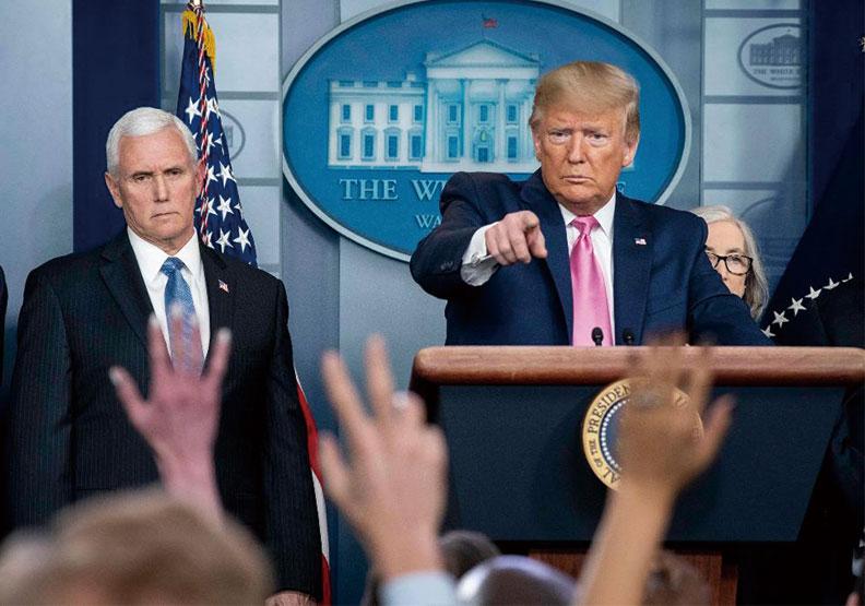 彭斯(左)任副總統時,常是川普的傳聲筒。圖片來自WhiteHouse Twitter