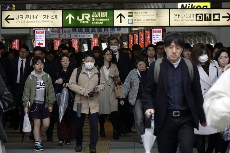 為防止疫情擴大,日本政府緊急推出許多防治措施,莫讓等待多年的奧運商機化為泡影。(攝影:陳之俊)