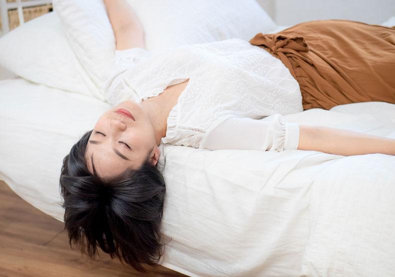 呼吸也能照顧情緒健康,即刻緩解身心問題的「自我療癒呼吸法」