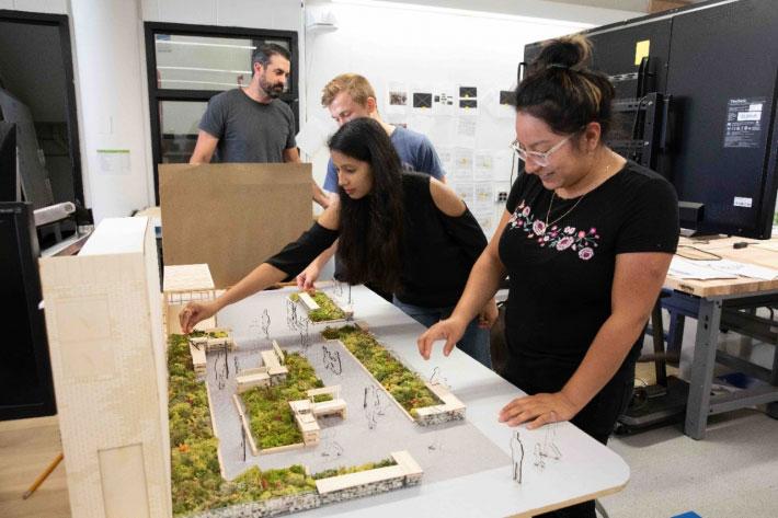 費城大學生嘗試建造「卡車上的公園」模型。來源:Park in a Truck Initiative