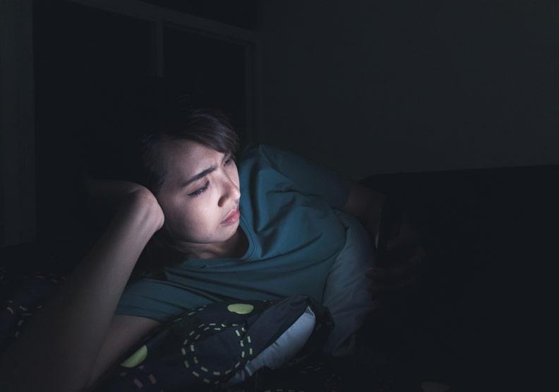 平時老是睡不夠,小心影響飲食習慣還變胖