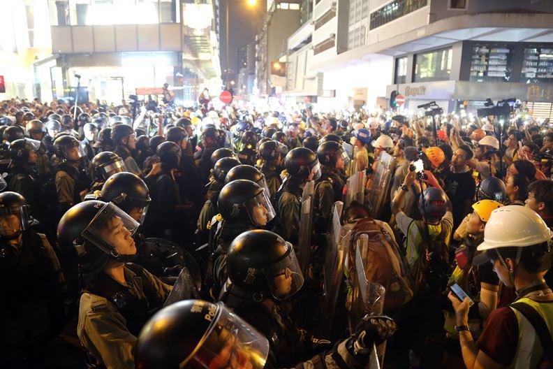 歷經「反送中」風潮引發的社會動盪,香港未來如何重生?引人關注。