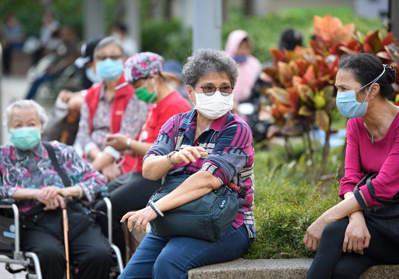 長照列入新冠肺炎紓困—香港做法