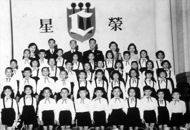 1957年底,榮星兒童合唱團第一次在臺大醫院禮堂舉行發表會。