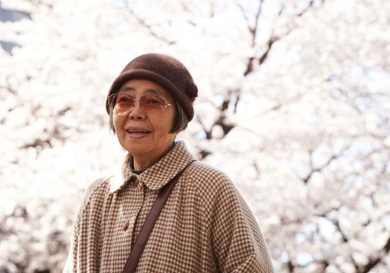 「上了年紀就是學會輕減度日」日本女星樹木希林與歲月和諧共處的人生觀